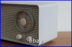 Working vintage SK 2/2 Braun midcentury tube radio